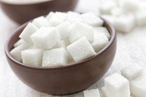 Nutrition-on-ne-devrait-pas-depasser-6-morceaux-de-sucre-par-jour